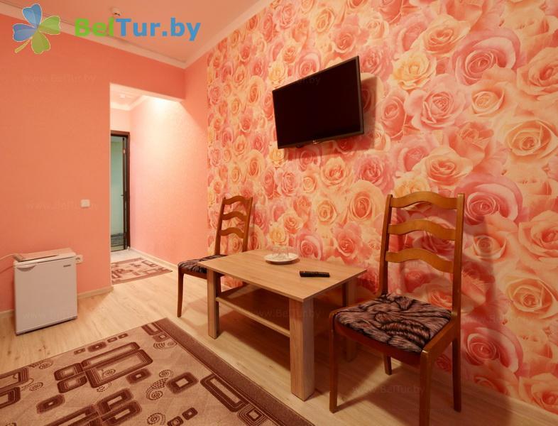 Отдых в Белоруссии Беларуси - база отдыха Лесное озеро - двухместный однокомнатный twin comfort (спальный корпус №1)