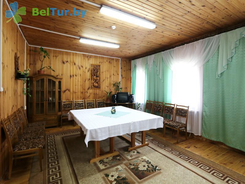 Отдых в Белоруссии Беларуси - гостевой дом Сосны - Столовая