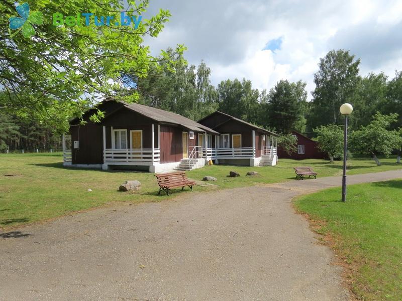 Отдых в Белоруссии Беларуси - туристический комплекс Браславские озера - каскадный летний домик / с гор. водой