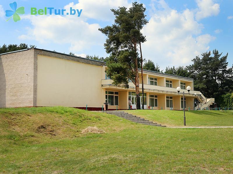 Отдых в Белоруссии Беларуси - туристический комплекс Браславские озера - здание столовой