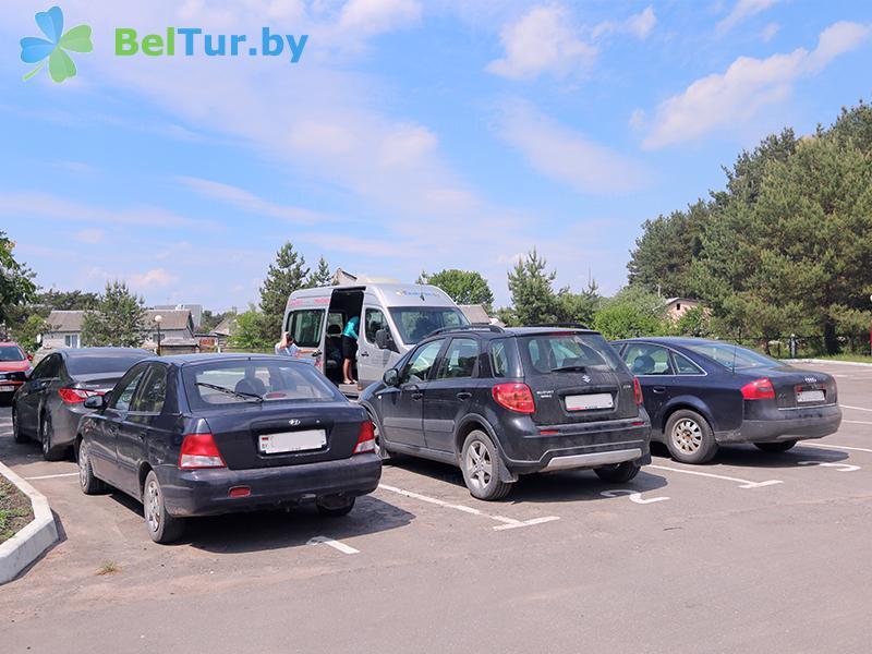 Отдых в Белоруссии Беларуси - туристический комплекс Браславские озера - Автостоянка