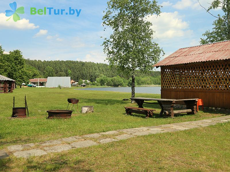 Отдых в Белоруссии Беларуси - туристический комплекс Браславские озера - Площадка для шашлыков