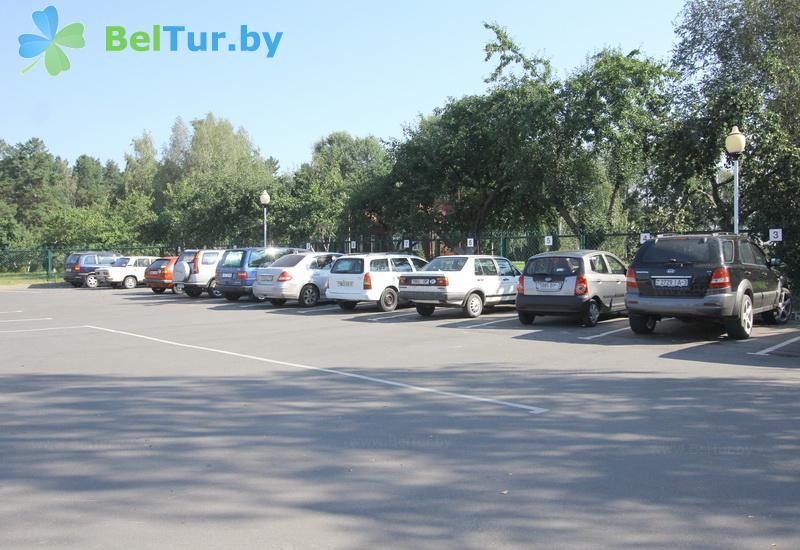 Отдых в Белоруссии Беларуси - база отдыха Милоград - Автостоянка