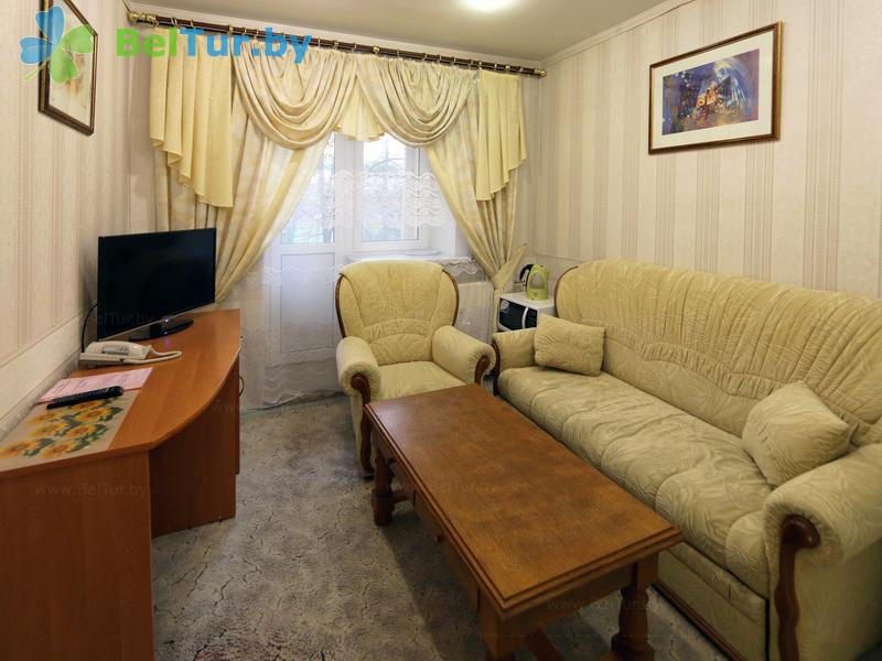 Отдых в Белоруссии Беларуси - база отдыха Милоград - двухместный двухкомнатный люкс (жилой корпус)
