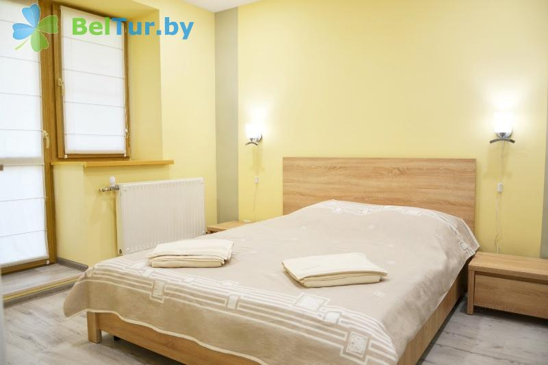 Отдых в Белоруссии Беларуси - база отдыха Милоград - двухместный двухкомнатный семейный повышенной комфортности (жилой корпус)