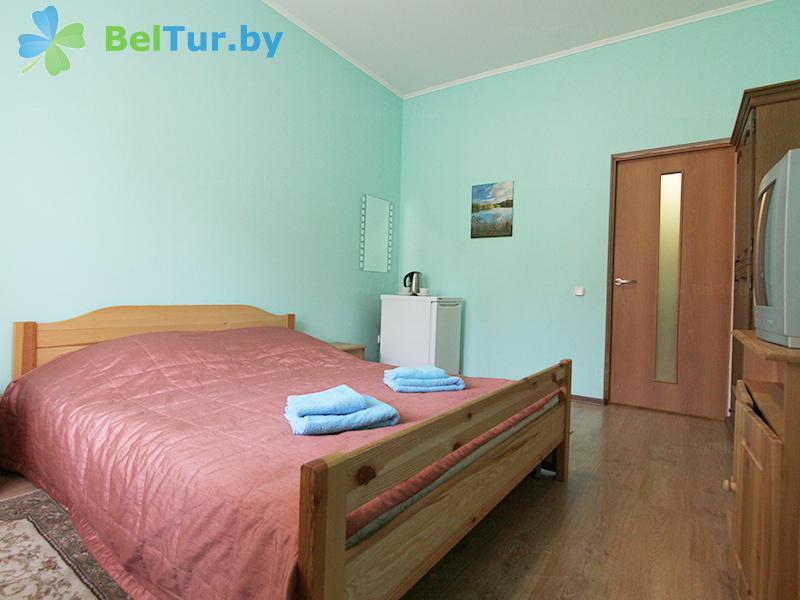 Отдых в Белоруссии Беларуси - база отдыха Без проблем - двухместный однокомнатный/ с 2-спальной кроватью (корпус №1)