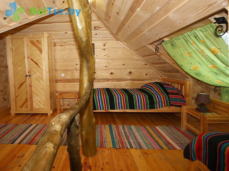 Отдых в Белоруссии Беларуси - туристический комплекс Рыньковка - четырехместный трехкомнатный (гостевой дом №2)