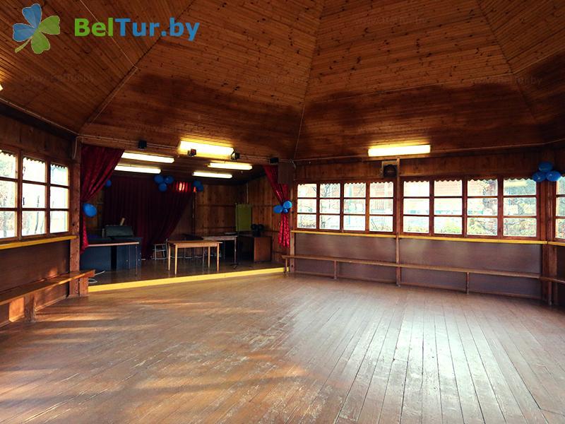 Отдых в Белоруссии Беларуси - база отдыха Дружба - Танцплощадка летняя
