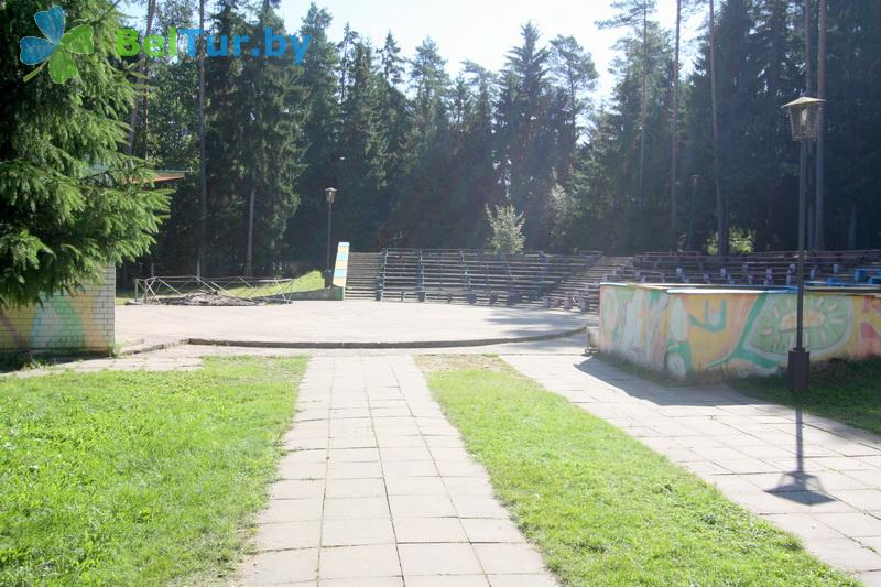 Отдых в Белоруссии Беларуси - база отдыха Галактика - Танцплощадка летняя