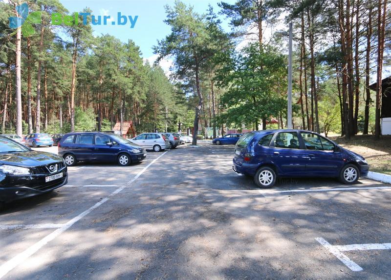Отдых в Белоруссии Беларуси - туристический комплекс Высокий берег - Автостоянка