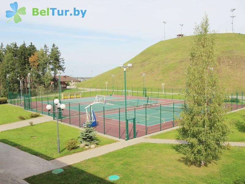 Отдых в Белоруссии Беларуси - республиканский горнолыжный центр Силичи - Теннисный корт