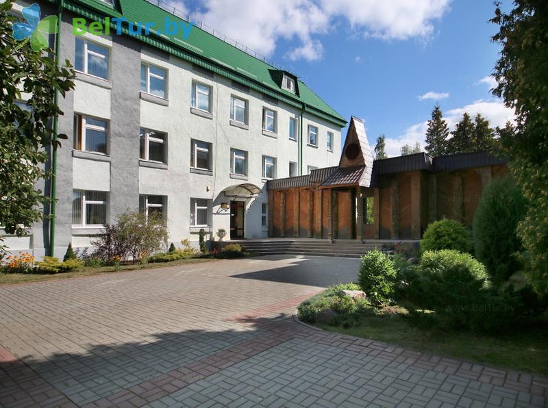 Отдых в Белоруссии Беларуси - гостиничный комплекс Сергуч - администр. корпус