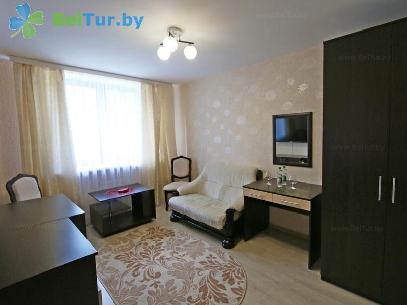 Отдых в Белоруссии Беларуси - гостиничный комплекс Сергуч - двухместный двухкомнатный/ романтический (гостиница)