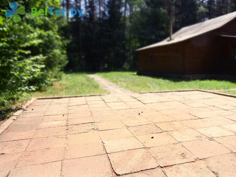 Отдых в Белоруссии Беларуси - гостевой дом Хомино - Парковка