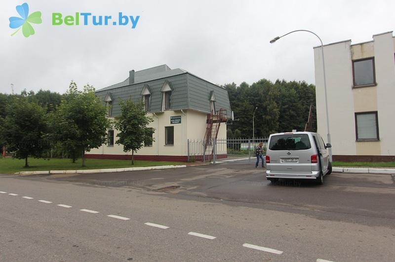 Отдых в Белоруссии Беларуси - гостевой дом Проньки - Парковка