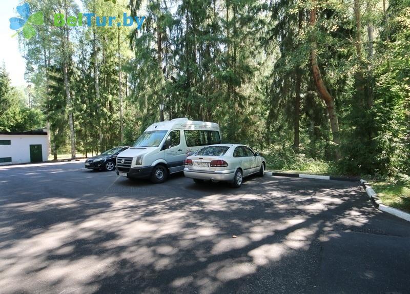 Отдых в Белоруссии Беларуси - гостиничный комплекс Плавно - Парковка