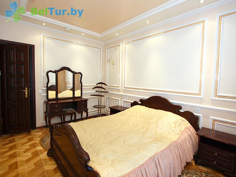 Отдых в Белоруссии Беларуси - гостиничный комплекс Динамо - двухместный двухкомнатный полулюкс (гостиница)