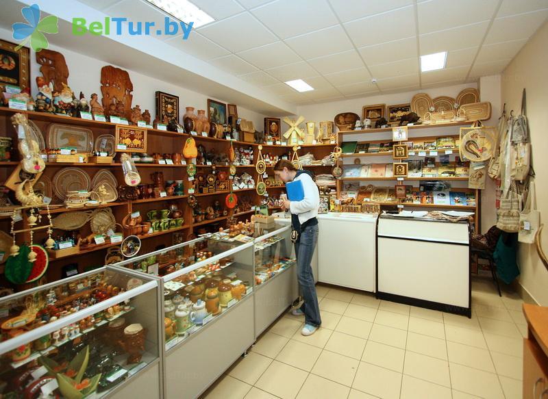 Отдых в Белоруссии Беларуси - гостиничный комплекс Каменюки - Магазин