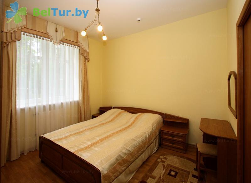 Отдых в Белоруссии Беларуси - гостиничный комплекс Каменюки - одноместный двухкомнатный люкс (корпус №4)