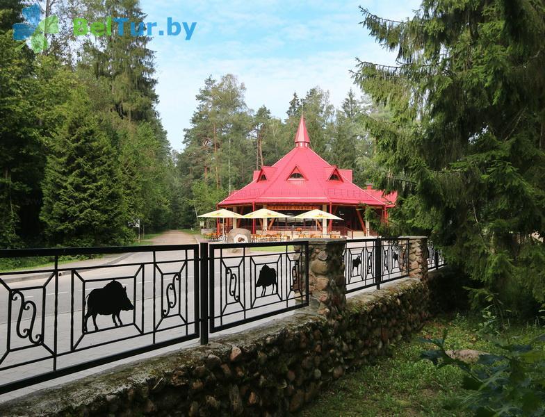 Отдых в Белоруссии Беларуси - гостиничный комплекс Каменюки - кафе Лесная сказка