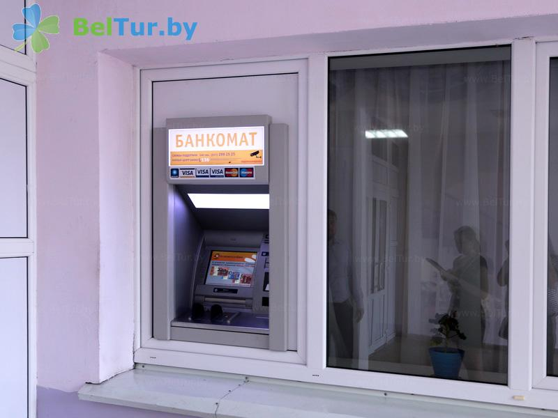 Отдых в Белоруссии Беларуси - гостиничный комплекс Каменюки, корпус №2 - Банкомат