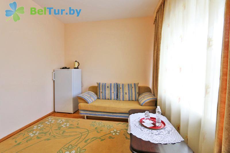 Отдых в Белоруссии Беларуси - гостиничный комплекс Каменюки, корпус №2 - двухместный двухкомнатный люкс (гостиница №2)