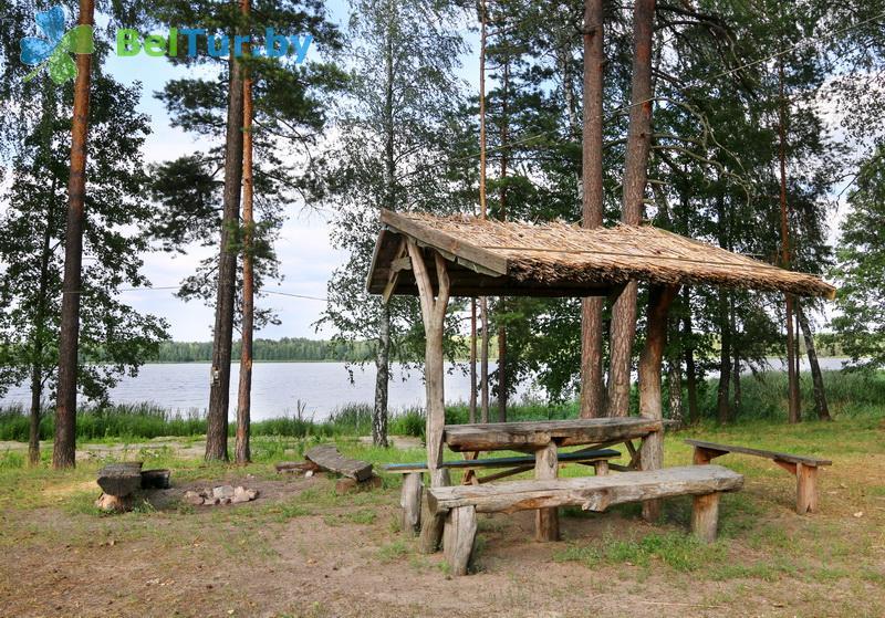 Отдых в Белоруссии Беларуси - туристический комплекс Белое - Площадка для шашлыков