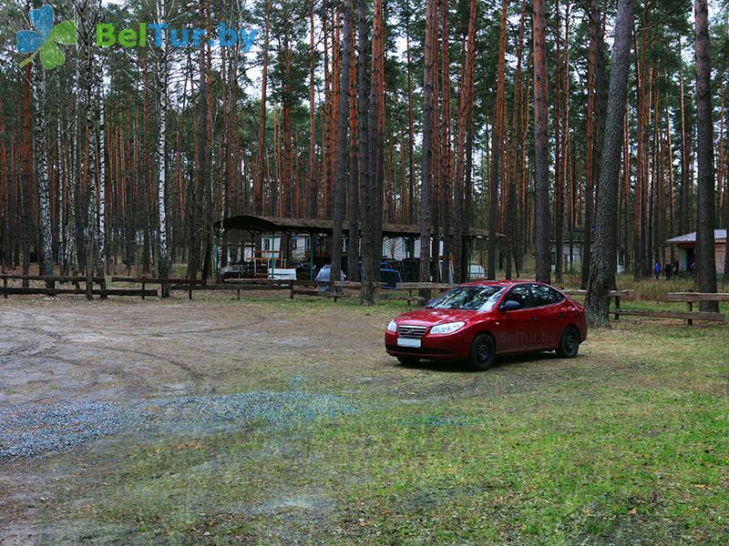 Отдых в Белоруссии Беларуси - гостиничный комплекс Ранчо - Автостоянка