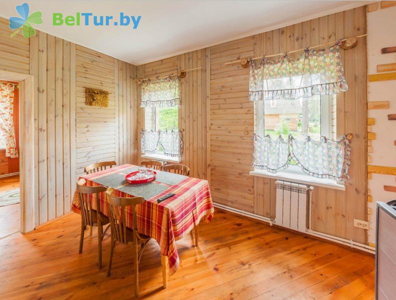 Отдых в Белоруссии Беларуси - гостиничный комплекс Ранчо - пятиместный двухкомнатный (коттедж «Кентукки»)