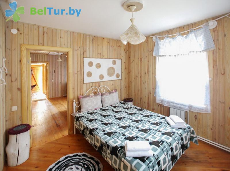 Отдых в Белоруссии Беларуси - гостиничный комплекс Ранчо - четырехместный двухкомнатный (коттедж «Калифорния»)