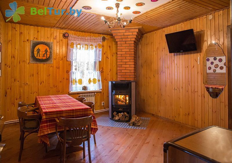 Отдых в Белоруссии Беларуси - гостиничный комплекс Ранчо - шестиместный трехкомнатный (коттедж «Индиана»)