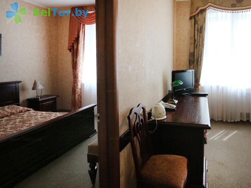 Отдых в Белоруссии Беларуси - гостиничный комплекс Над Припятью - двухместный двухкомнатный люкс (гостиница)