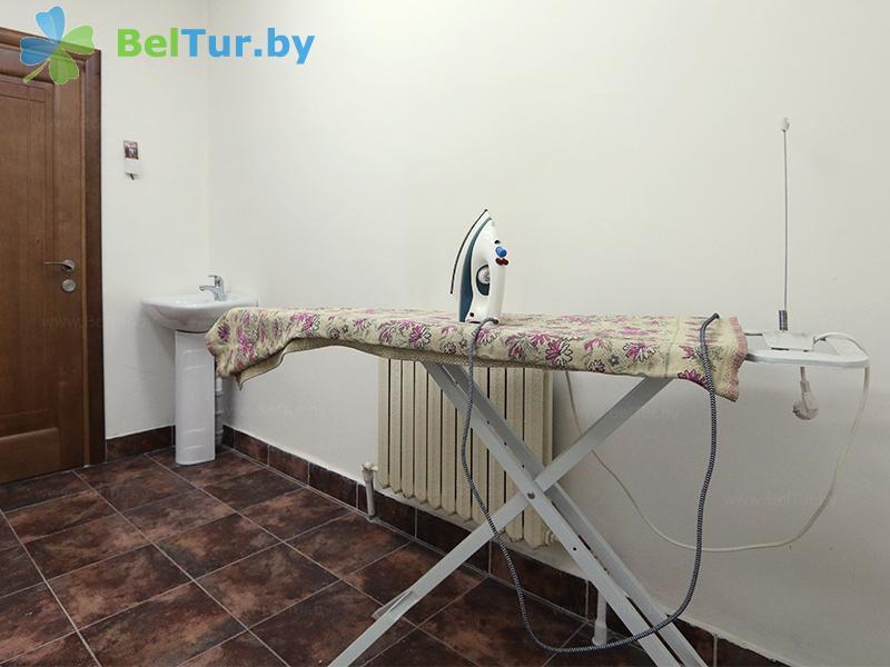 Отдых в Белоруссии Беларуси - гостиничный комплекс Над Припятью - Гладильная комната