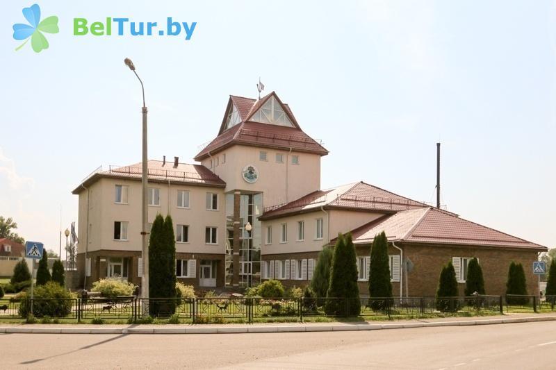 Отдых в Белоруссии Беларуси - гостиничный комплекс Над Припятью - администр. корпус