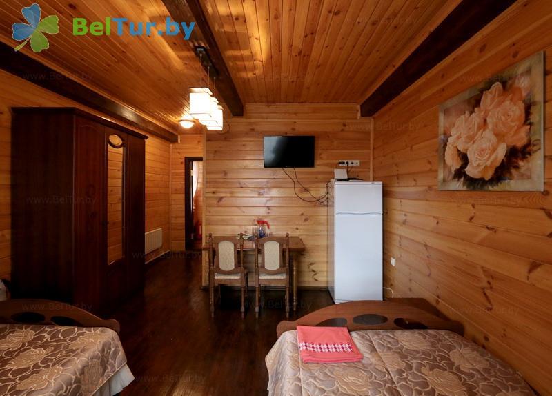 Отдых в Белоруссии Беларуси - туристический комплекс Николаевские пруды - двухместный однокомнатный (корпуса №1, 2 «Лада»)