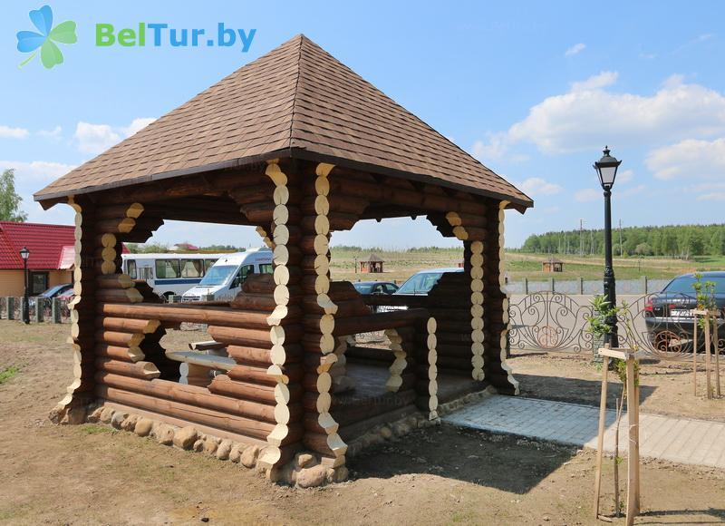 Отдых в Белоруссии Беларуси - туристический комплекс Николаевские пруды - Беседка