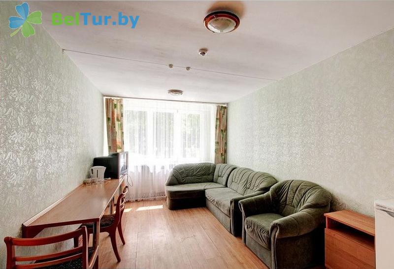 Отдых в Белоруссии Беларуси - оздоровительный комплекс Чайка - двухместный двухкомнатный улучшенный (спальный корпус №1)
