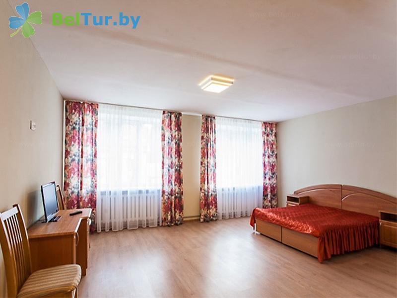 Отдых в Белоруссии Беларуси - оздоровительный комплекс Чайка - двухместный однокомнатный «B» (спальный корпус №2)