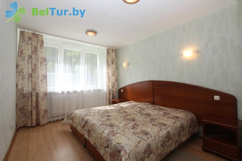 Отдых в Белоруссии Беларуси - оздоровительный комплекс Чайка - четырехместный трехкомнатный (спальный корпус №1)