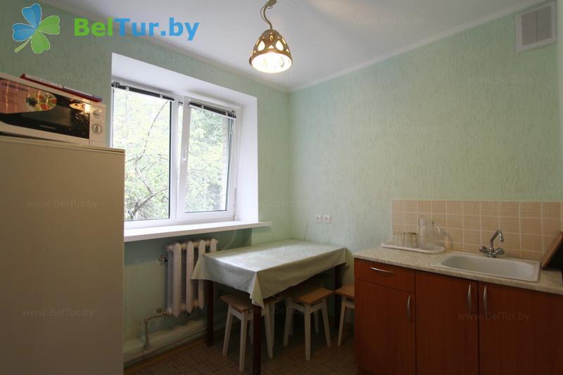 Отдых в Белоруссии Беларуси - база отдыха Лесная поляна - двухместный однокомнатный  в блоке (спальный корпус №1)