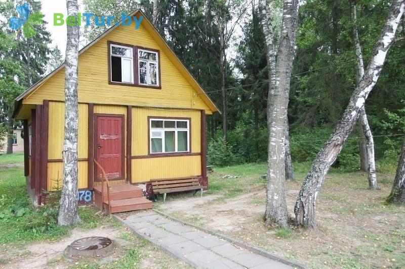 Отдых в Белоруссии Беларуси - база отдыха Лесная поляна - летний домик
