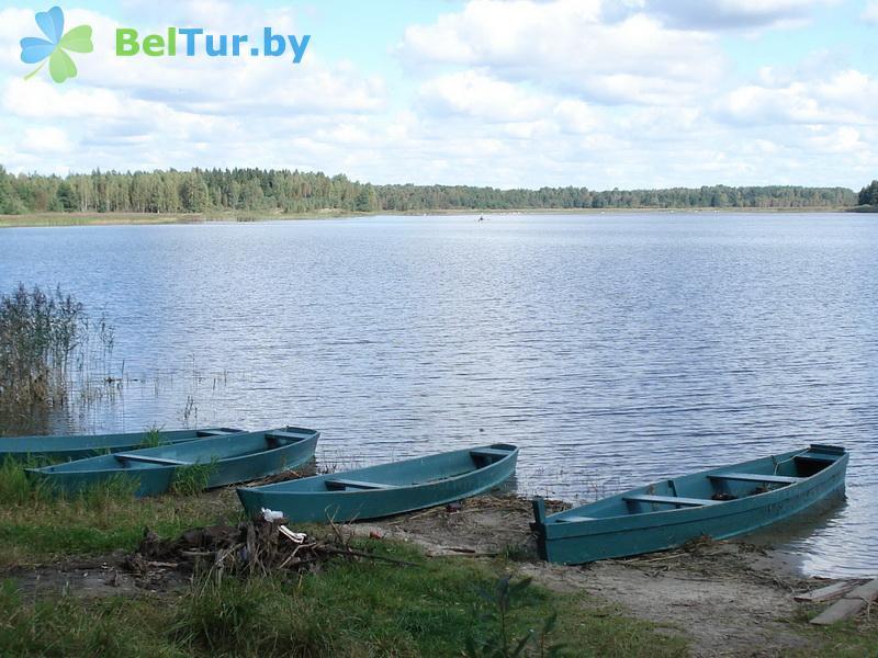 Отдых в Белоруссии Беларуси - дом охотника Гута - Прокат лодок