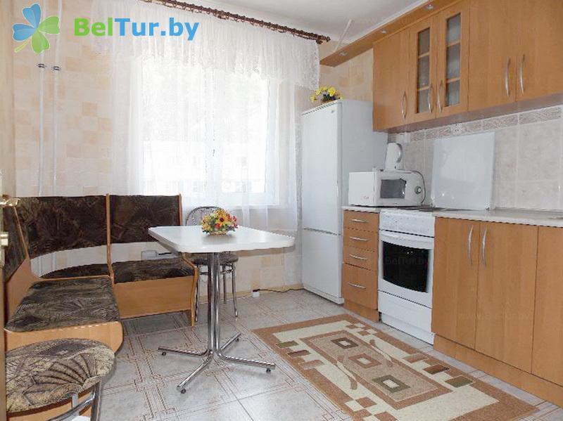 Отдых в Белоруссии Беларуси - база отдыха Яново - шестиместный трехкомнатный (спальный корпус)
